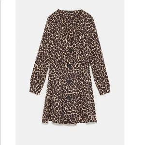 Zara New w/tag animal print button closures dress